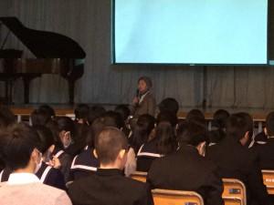 照山幸子さんの講演。